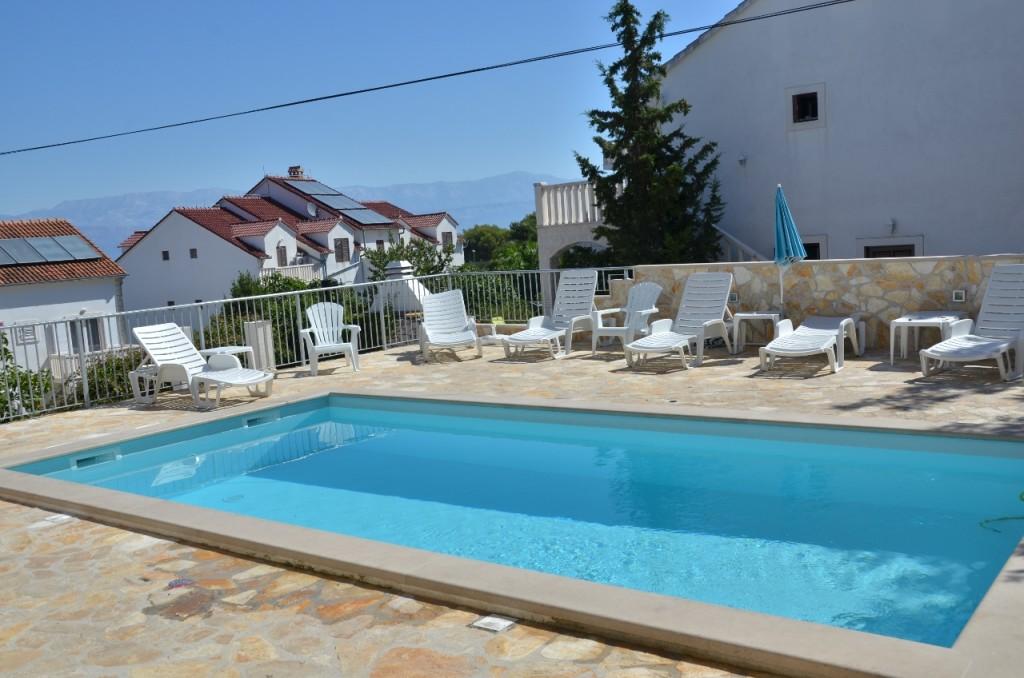 pool (1280x848)